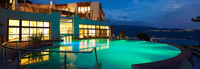 10 piscine d 39 hotel con panorami mozzafiato - Piscine san marco ...