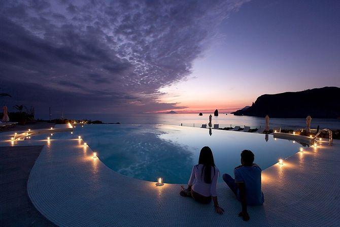 abbastanza 10 piscine d'hotel con panorami mozzafiato FE61