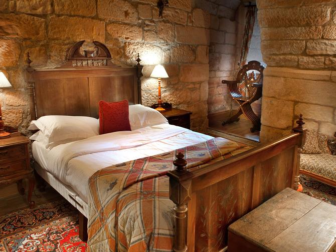 I 10 castelli più belli dove si può anche dormire