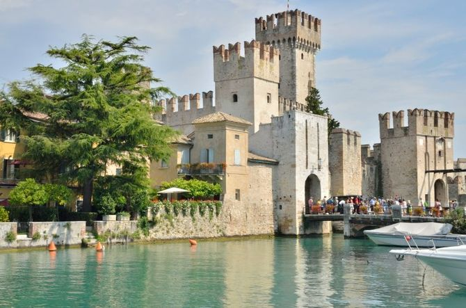 20 spettacolari castelli da visitare in italia