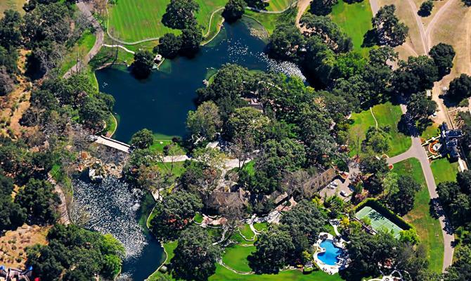 Neverland che fine far la casa di michael jackson for Schierandosi casa di ranch