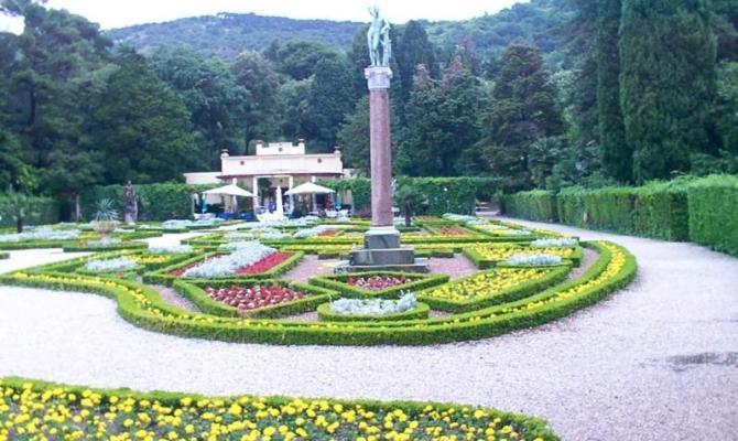 Miramare il giardino nel castello affacciato sul mare - Il giardino sul mare ...