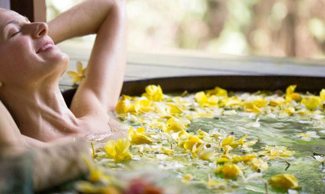 Bagno Rilassante Con Oli Essenziali : Come preparare un bagno rilassante consiglidibellezza