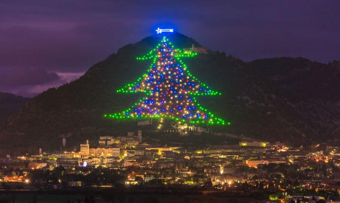 L'albero di Natale più famoso al mondo è quello di Gubbio