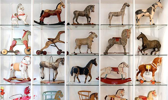 Museo Del Cavallo Giocattolo Di Grandate.Grandate Il Museo Del Cavallo Giocattolo Che Incanta Grandi