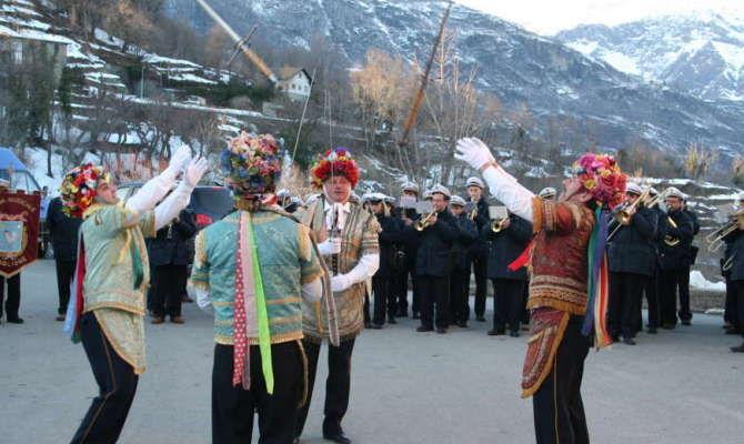 Borgo Spadonari Di Gli Celebra PiemonteIl Giaglione 3RLjA4qc5