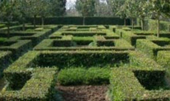 I giardini della landriana for Architetto giardini roma