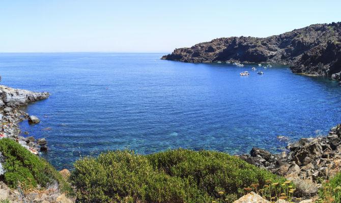 Il gusto afrodisiaco di pantelleria for Arredo ingross 3 dove si trova