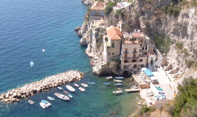 Campania: Conca dei Marini, tutto il fascino del borgo marinaro tra ...