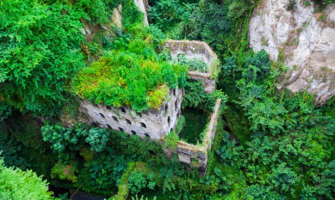Video a sorrento uno dei luoghi abbandonati pi for Luoghi abbandonati nord italia