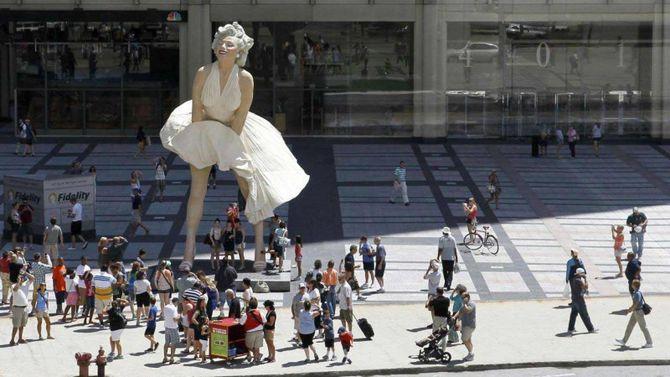La statua gigante di Marilyn Monroe