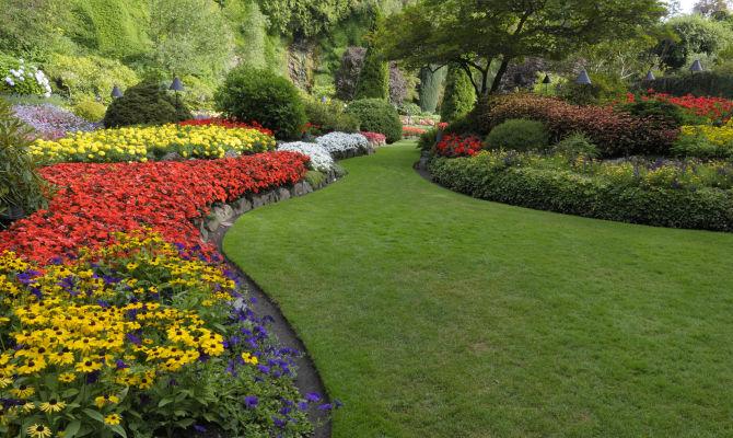 I più bei giardini italiani in fiore in tappe