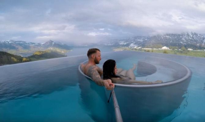 video le 14 piscine d 39 hotel pi incredibili del mondo. Black Bedroom Furniture Sets. Home Design Ideas