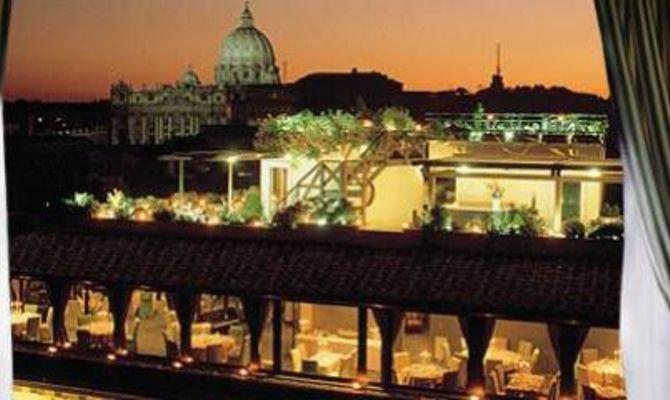 Serate di gusto sui tetti piu\' glam di Roma