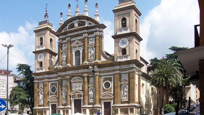 Borse Borbonese Castel Romano : Il re degli outlet del centro italia