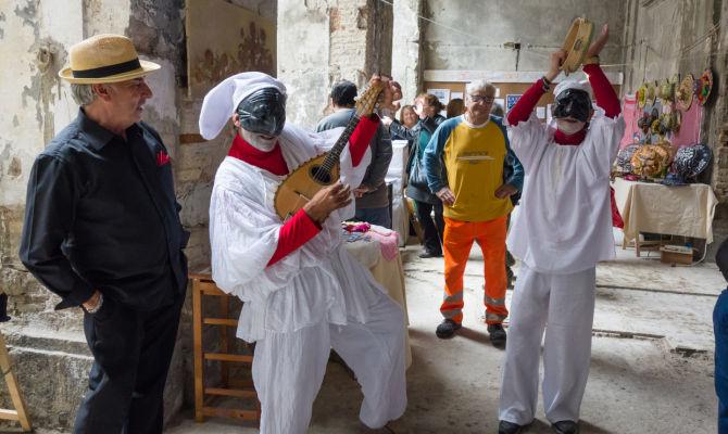 prezzo interessante super popolare vasta gamma di Napoli, 4 cose da sapere sulla maschera di Pulcinella
