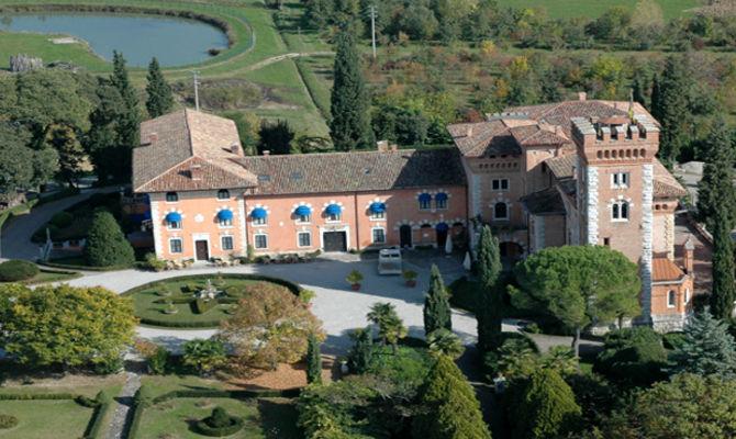 Domire nel Castello di Casanova