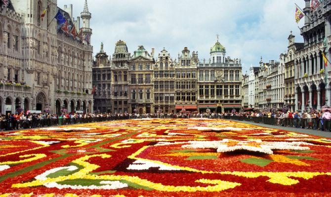 Tappeto Floreale Bruxelles : Bruxelles ore a ferragosto con il tappeto di fiori