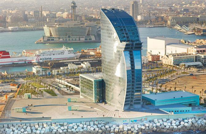 Le dive dormono qui hotel per l 39 8 marzo for Hotel a barcellona 3 stelle