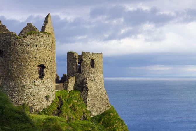 I 12 castelli abbandonati pi spettacolari del mondo for Luoghi abbandonati nord italia