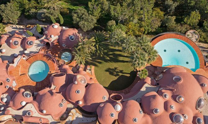 div>Costa Azzurra: Palais Bulles, la dimora più costosa d'Europa</div>