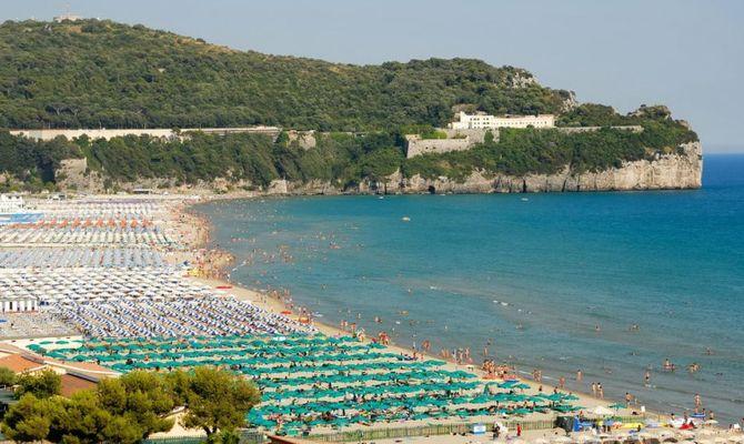 Matrimonio Spiaggia Gaeta : Fuori porta a gaeta ciascuno la sua spiaggia