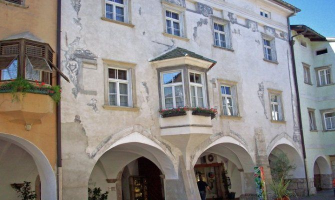 Egna i portici pi romantici dell 39 alto adige for Disegni di baite